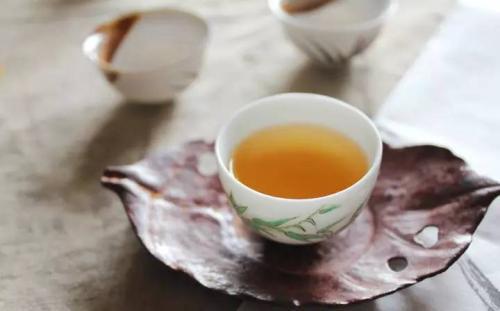乐天堂官网网址茶提醒您:经常喝茶,好处多多!